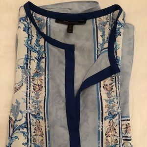 Beautiful casual BCBG short sleeve top